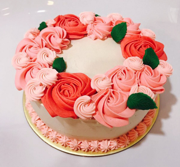 This Mothers Day Bing Ice Cream Gallery Brings You Stunning Cake That Any Mother Would Be Happy To Receive With Its Intricate Piped Roses In