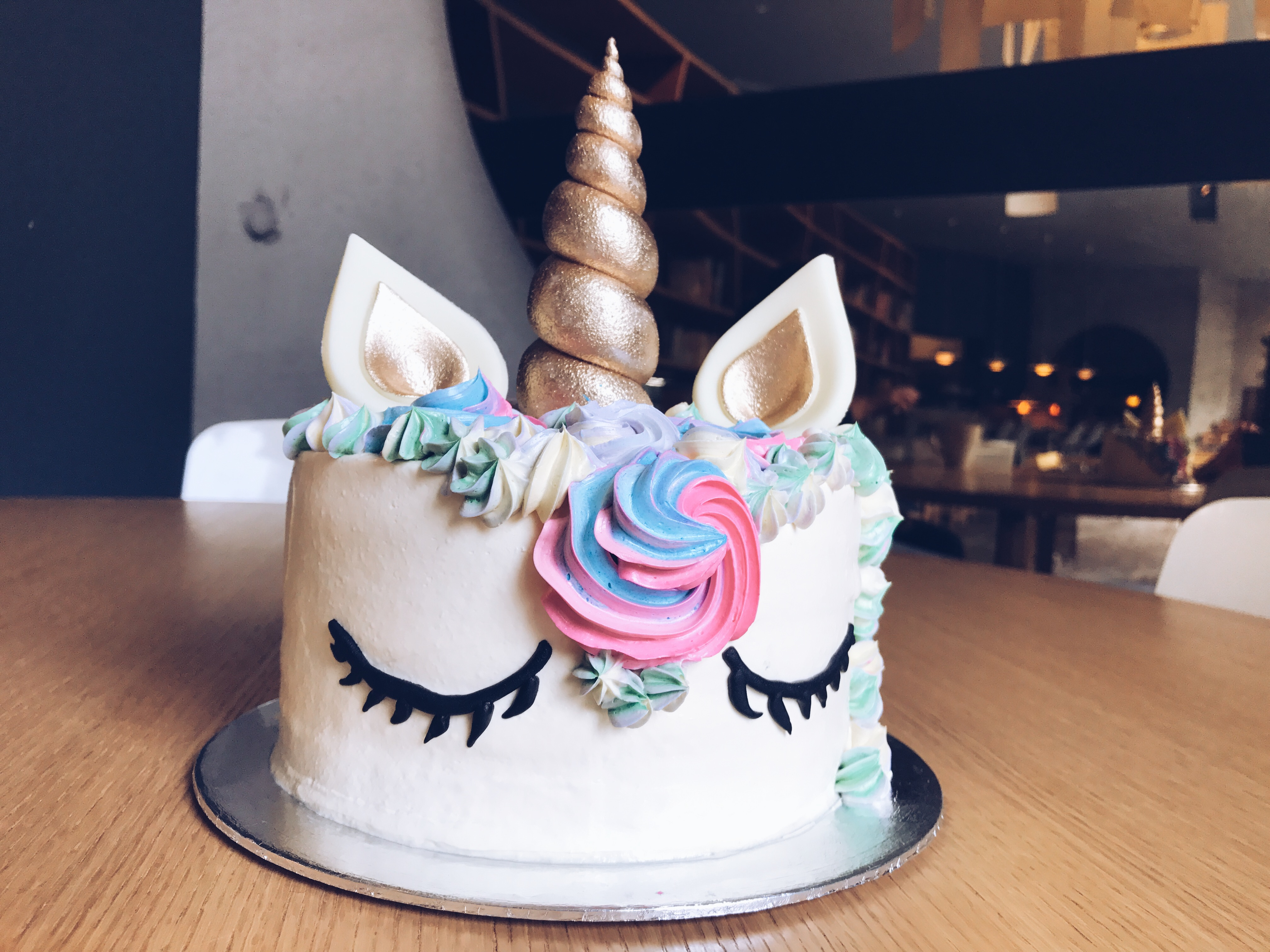 Unicorn Cakes Are Super Trendy Right Now With Loads Of Birthday Parties Having These Magical As Their Dessert Table Centrepiece