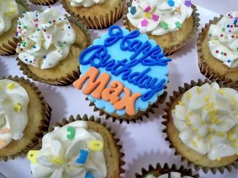 Birthday Cupcakes Box Of 12pcs At 5400 Per Set