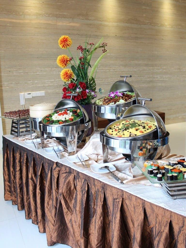 ECreative Catering Best Price Guaranteed At FoodLinesg - Catering buffet table setup