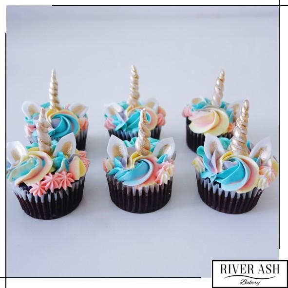 magical unicorn cupcakes